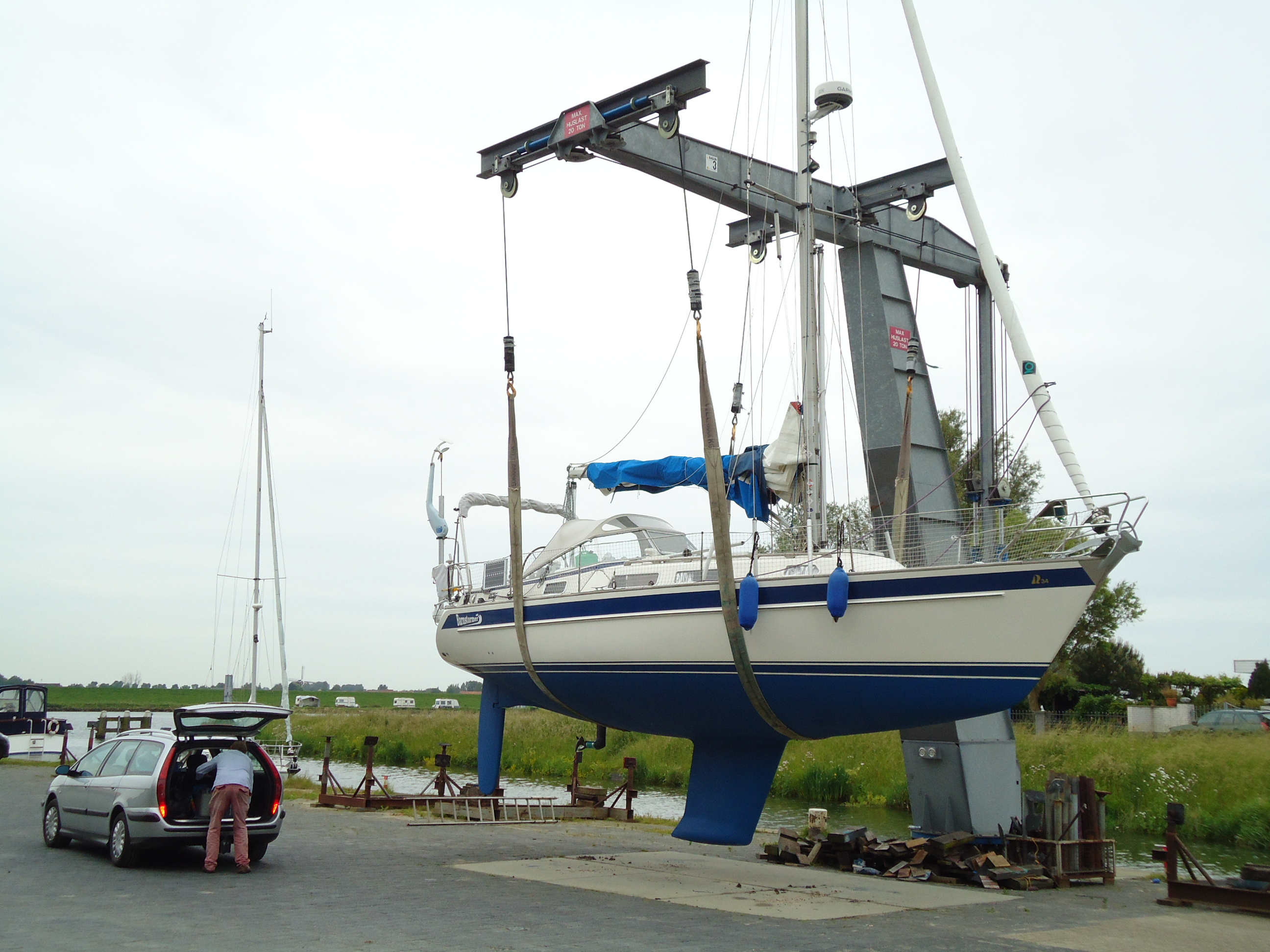 Yacht Hydraulic Crane : Yacht crane fh vermeer marine lift carry